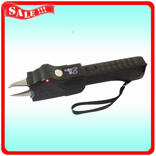 302飞鹰专卖 批发 防身电击棒 电击器 电警棍 防.